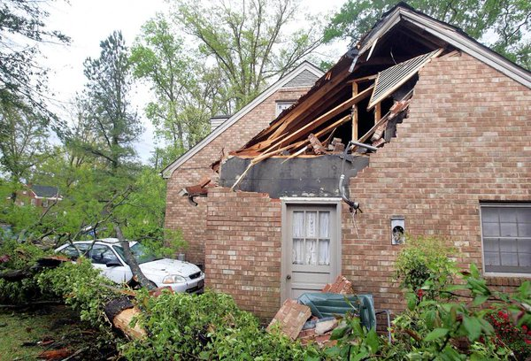 storm damage restoration & cleanup